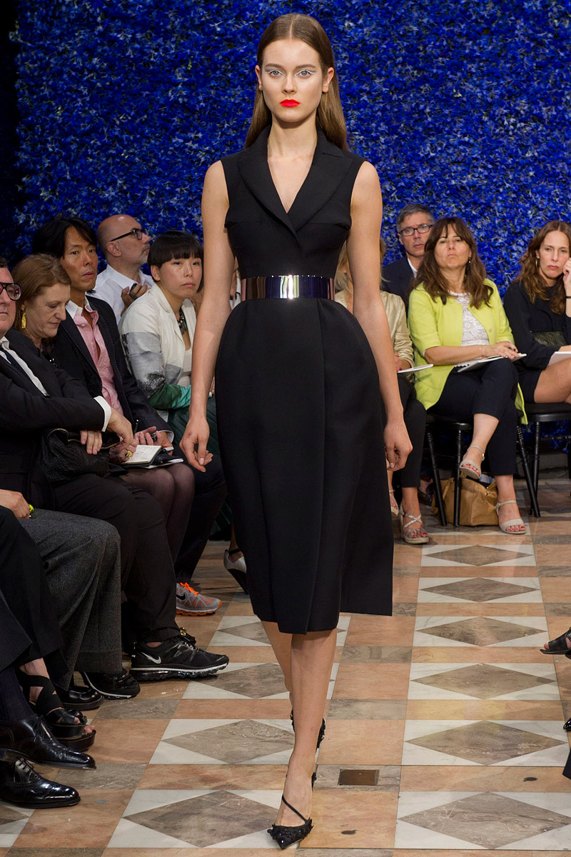 dior-fall-2012-couture-runway-04_130433584088