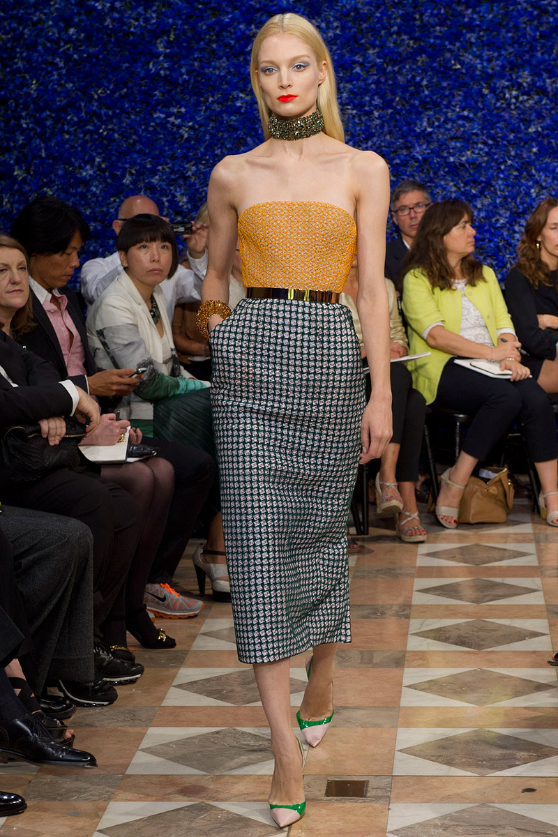 dior-fall-2012-couture-runway-42_130502843744