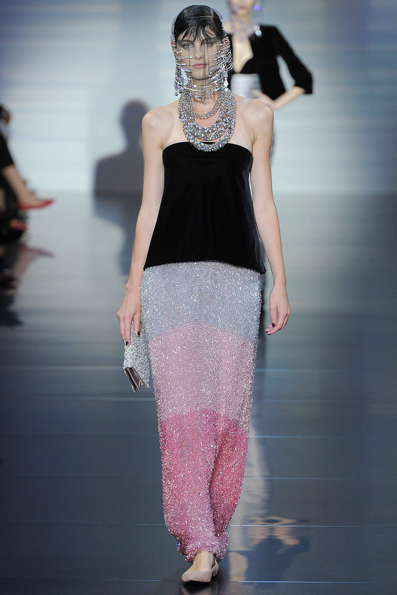 giorgio-armani-prive-couture-runway-fall-2012-20_15303154917