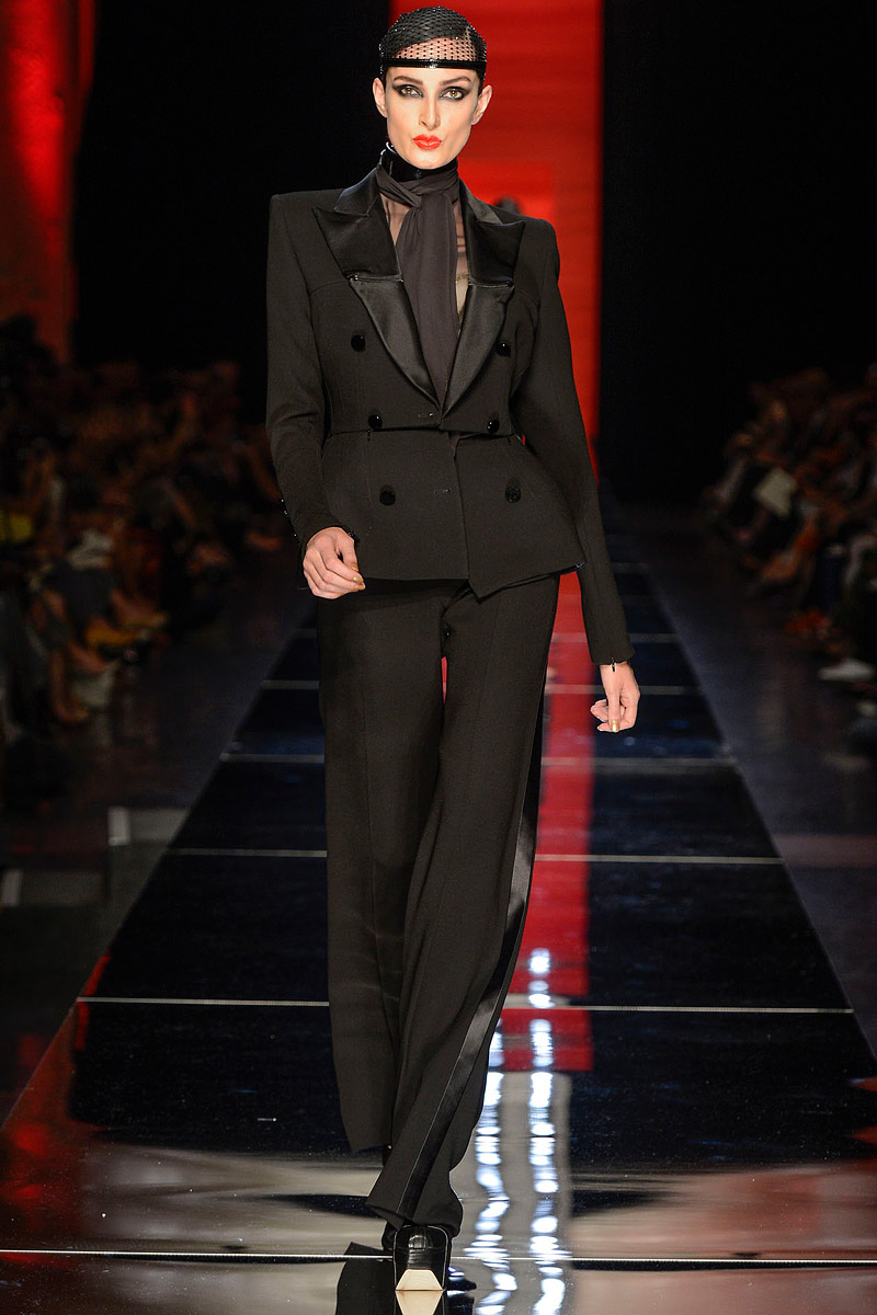 jean-paul-gaultier-fall-2012-couture-03_104011415741