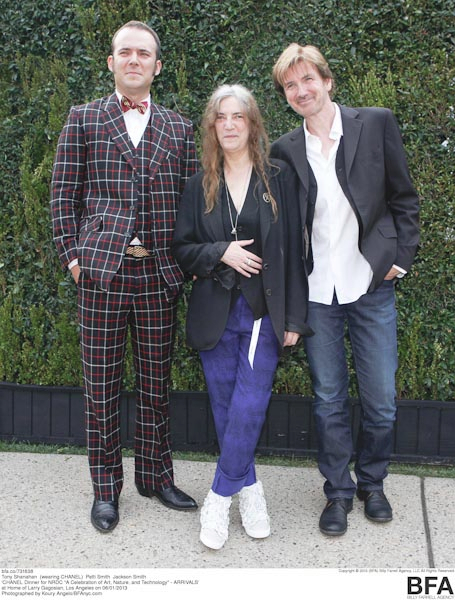 Tony Shanahan, (wearing CHANEL), Patti Smith, Jackson Smith