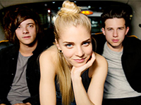 London Grammar Hannah Reid, centre