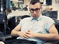 JACK ANTONOFF ON BLEACHERS, TOURING, LOVE & SUBURBIA – EXCLUSIVE INTERVIEW