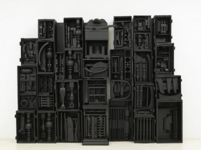 "Untitled, 1964. wood painted black, 8' 4"" x 10' 11-1/2"" x 1' 6-3/4"" (254 cm x 334 cm x 47.6 cm), 16 elements plus 2 part base, 18 parts total."