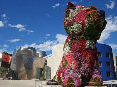 Guggenheim-Flower-Dog_featured