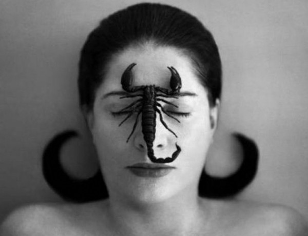 marina-abramovic-the-artist-is-present-8
