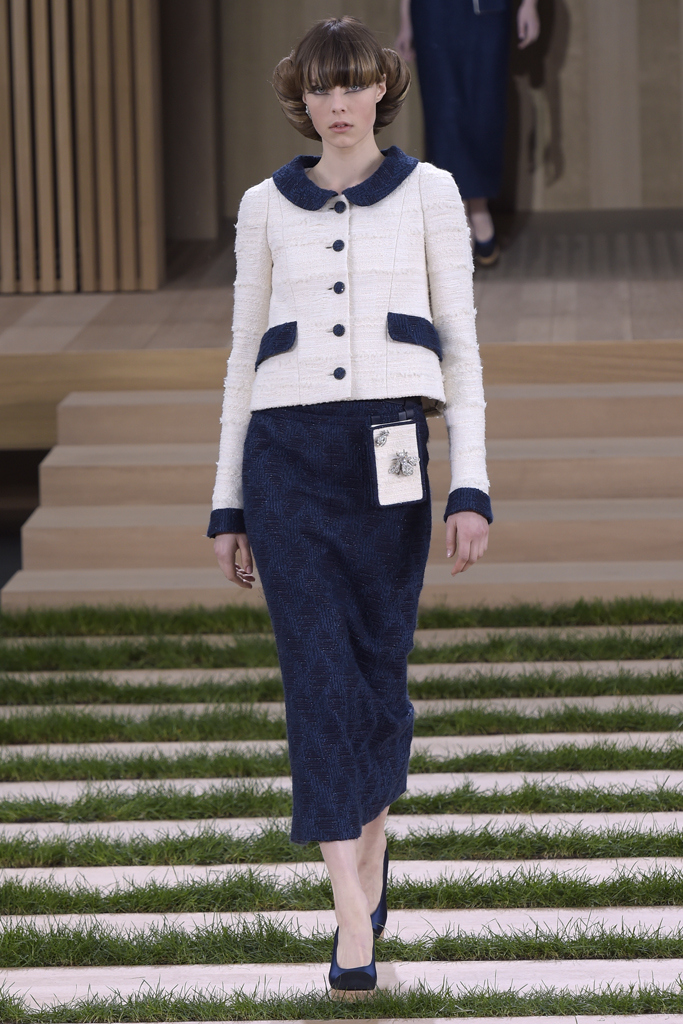 Chanel edie campbell