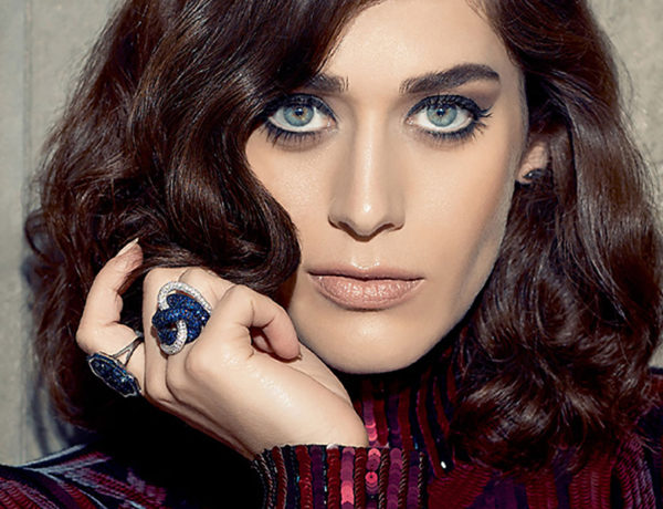 the-untitled-magazine-girlpower-issue-lizzy-caplan-photography-by-indira-cesarine-cover_preview