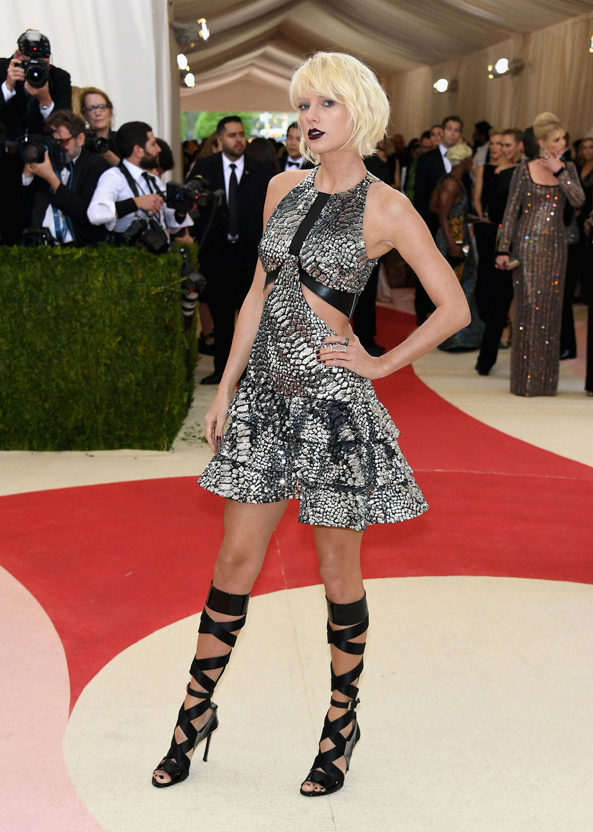 Co-chair, Taylor Swift, channeled Blade Runner for the Manux X Machina themed gala.