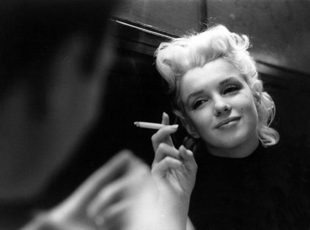 marilynmonroe_smoking