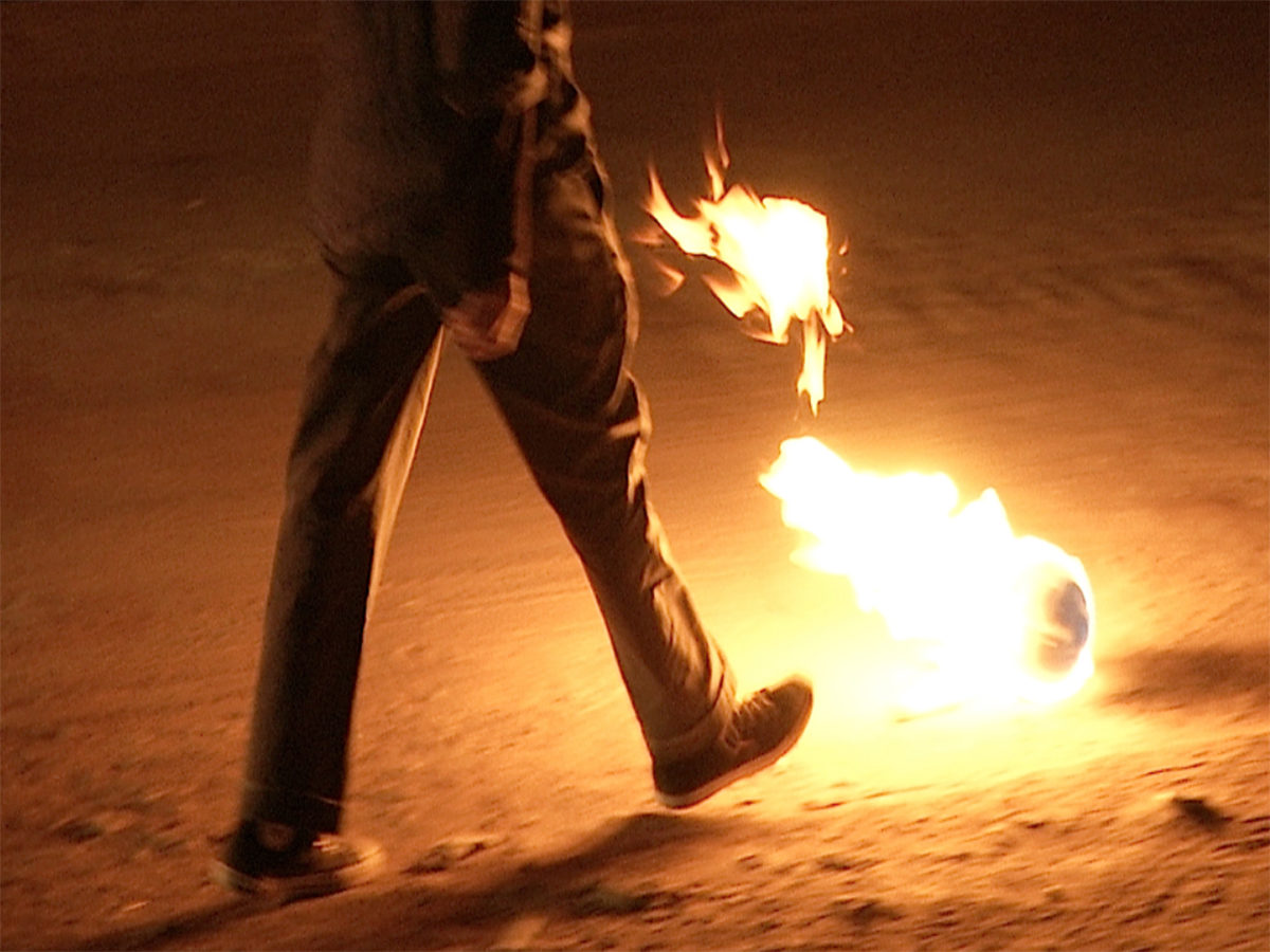 Francis Alÿs in collaboration with Julien Devaux, Rafael Ortega, Alejandro Morales, and Félix Blume, Paradox of Praxis 5: Sometimes we dream as we live & sometimes we live as we dream Ciudad Juárez, México, 2013 (detail of video still).