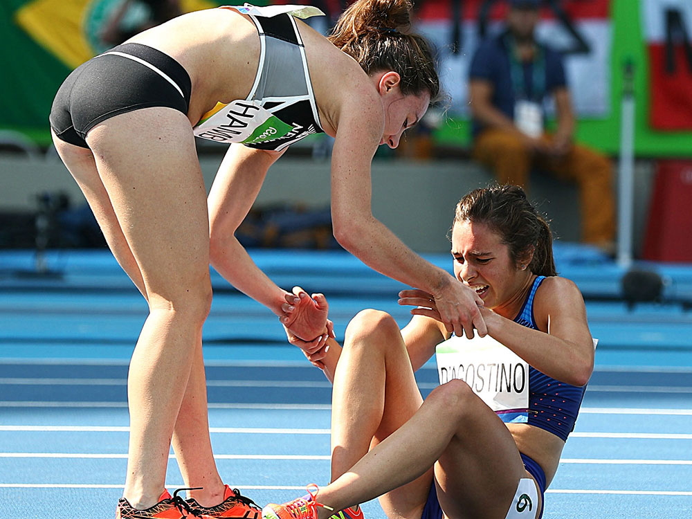 Abbey D'Agostino and Nikki Hamblin. Image courtesy of Getty.
