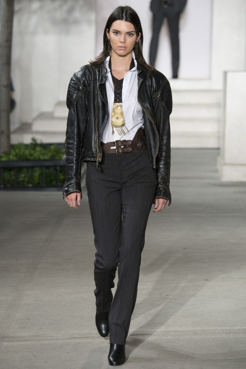 Kendall Jenner walks for Ralph Lauren's Fall 2016 show. Image courtesy of Vogue Runway.