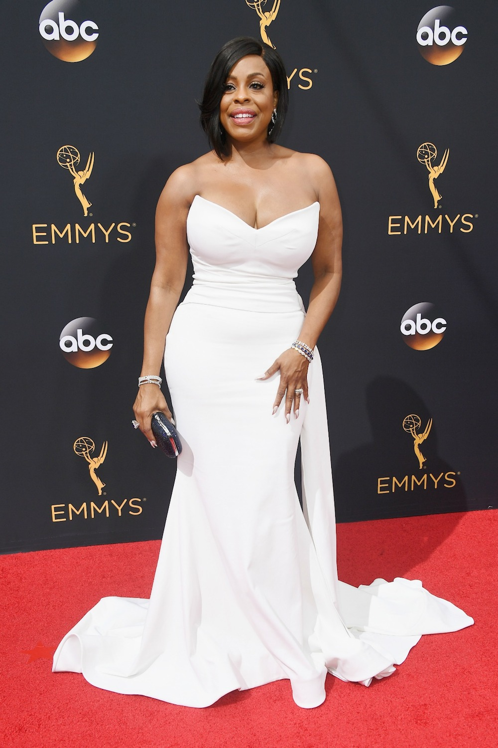 Niecy Nash in Christian Siriano at the 2016 Emmy Awards. Siriano also dressed Angela Bassett, Neve Campbell, Maura Tierney, Anna Chlumsky, Laurie Metcalf, Kathy Bates, Lauren Adams, and Leslie Jones. Image courtesy of Getty.