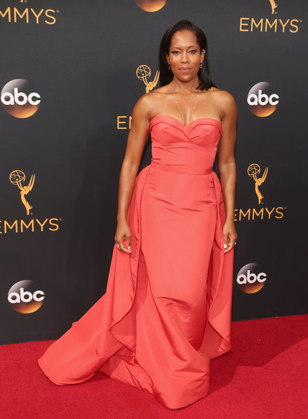 Regina King in Elizabeth Kennedy at the 2016 Emmy Awards. Image courtesy of Tod Williamson/Getty.