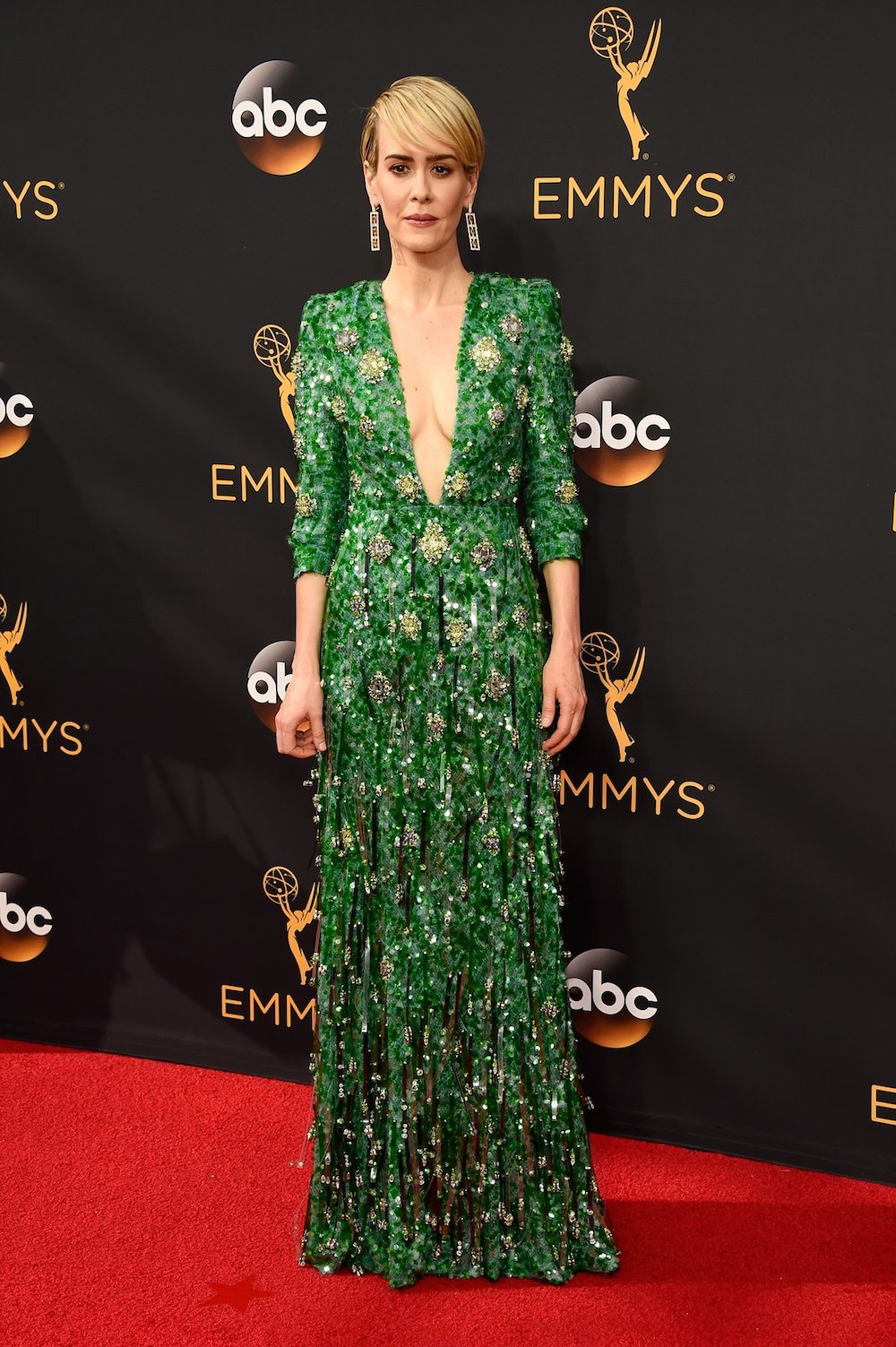 Sarah Paulson in Prada at the 2016 Emmy Awards. Image courtesy of Getty.