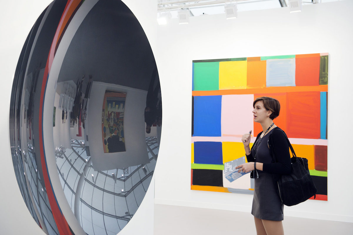 Lisson Gallery at Frieze London 2015. Photograph by Linda Nylind. Courtesy of Linda Nylind/Frieze.