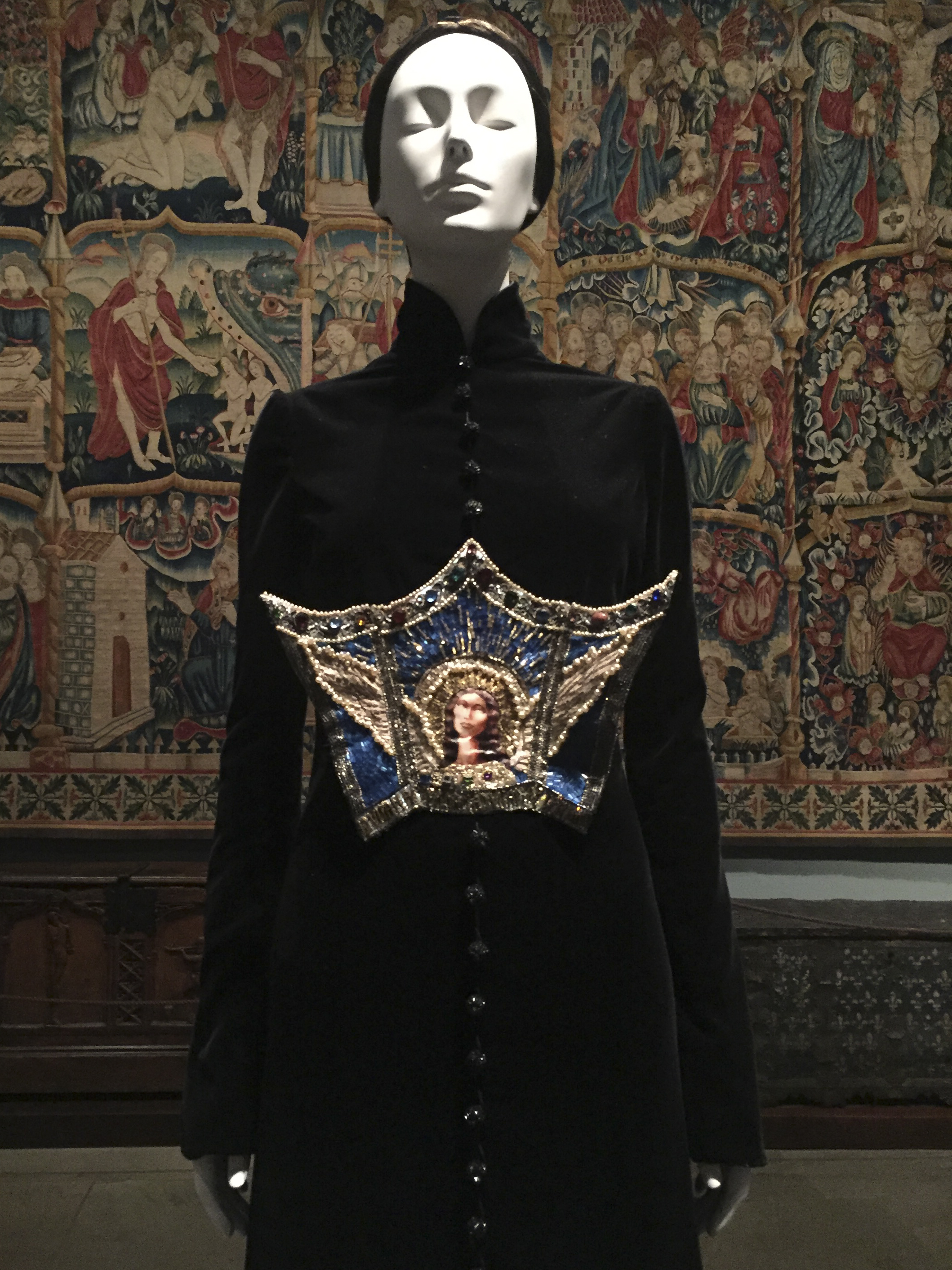 preview the met gala exhibition   u2018heavenly bodies  fashion and the catholic imagination u2019  u2013 the
